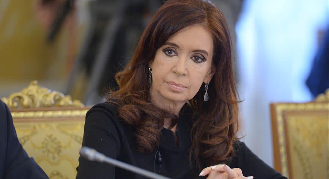صحف: تهديدات لرئيسة الأرجنتين من داعش وأخطاء في طباعة العملة الكويتية