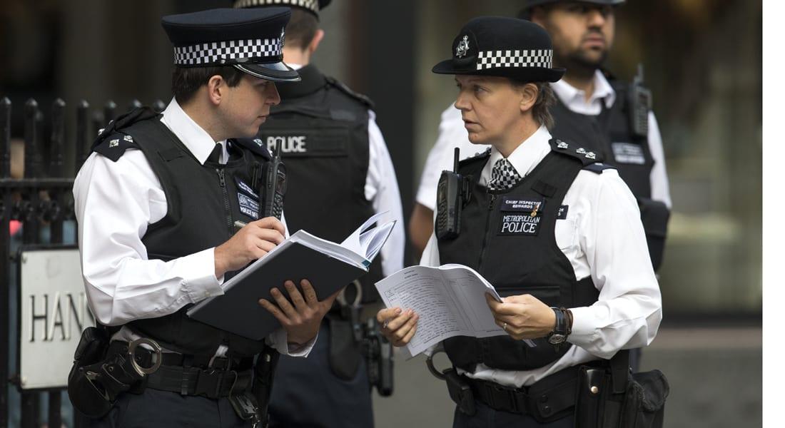 الشرطة البريطانية تعتقل شخصين مشتبه فيهما بالانتماء لمنظمة محظورة