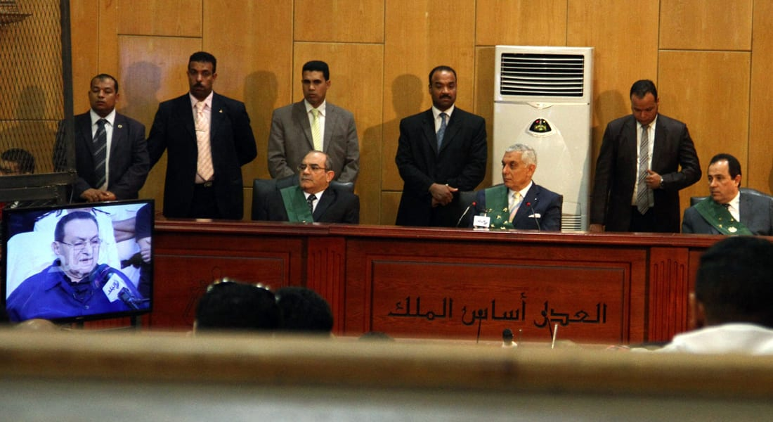 """ترقب الحكم على مبارك بـ""""قضية القرن"""".. دعوات لتظاهرات غضب وتحذير """"إخوان مصر"""""""