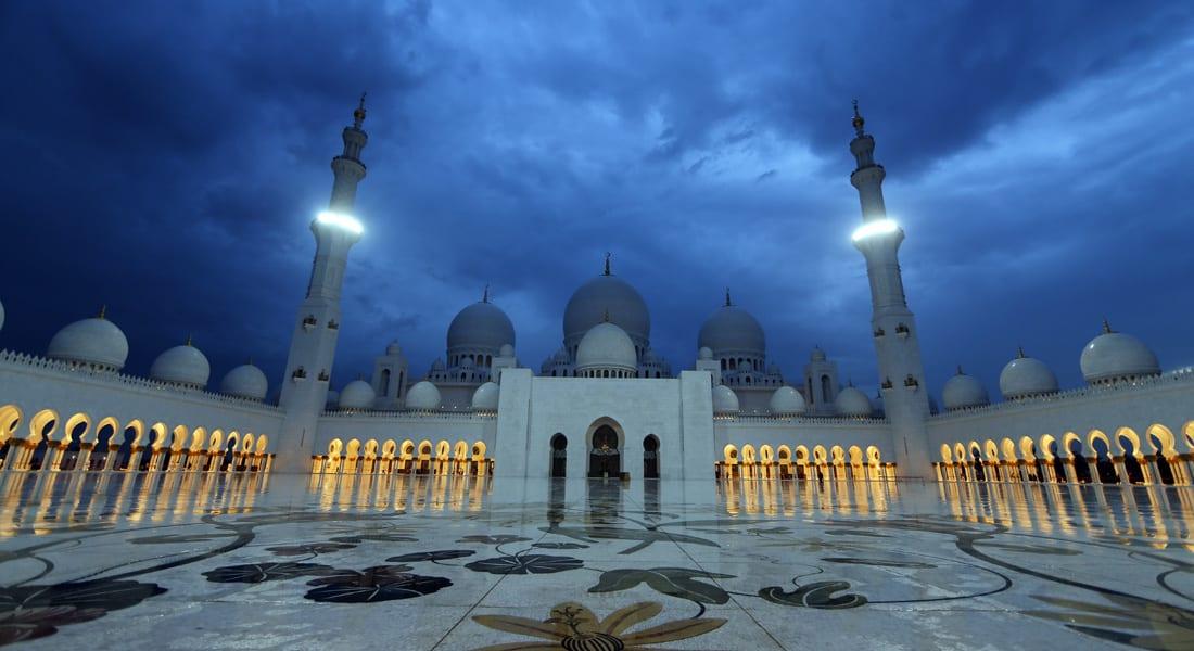 مسؤولون: 95 مليار دولار ضمن التمويل الإسلامي بالإمارات.. والأهم الحفاظ على قيم الأخلاق والإسلام