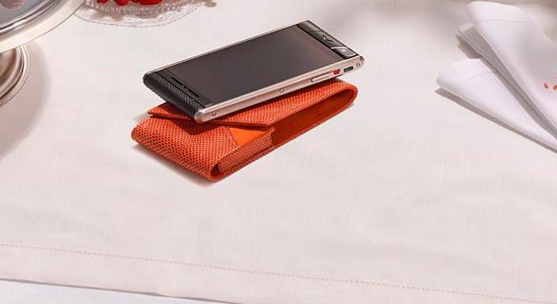هاتف ذكي جديد تبدأ أسعاره من نحو 7000 دولار