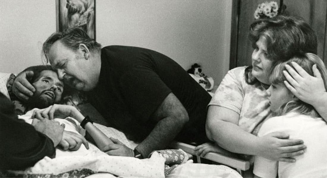"""إلتون جون يكتب لـCNN عن الإيدز و""""القلب العادي"""""""