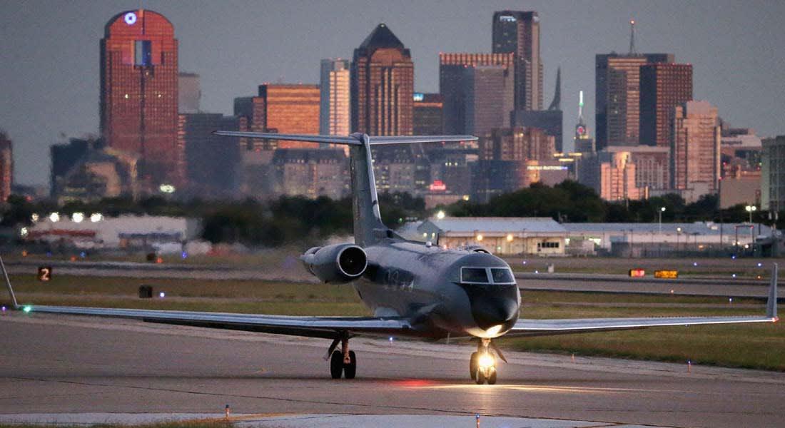 """أمريكا تحصر طائرات غرب أفريقيا بخمسة مطارات وانباء جيدة عن لقاحات ضد """"إيبولا"""""""