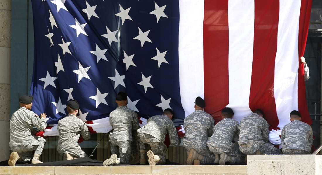 هيغل: ينبغي المداومة على مراجعة سياسة خدمة المتحولين جنسيا بالجيش