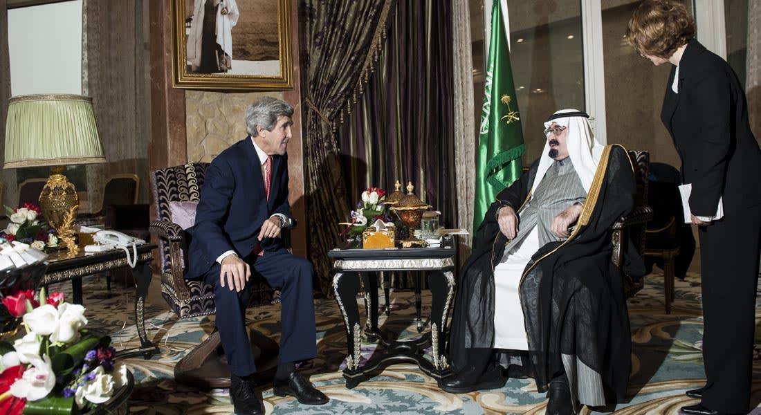 العراق وسوريا على رأس أجندة لقاء العاهل السعودي بوزير الخارجية الأمريكي