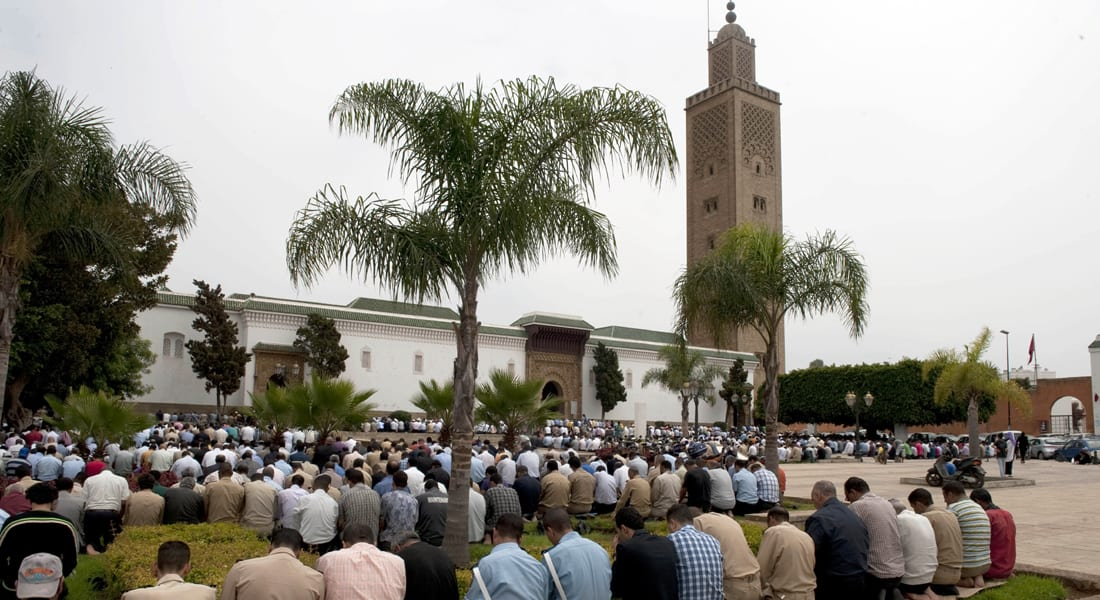 المغرب يحرم السياسة على الأئمة .. ويلزمهم بالمذهب المالكي والعقيدة الأشعرية