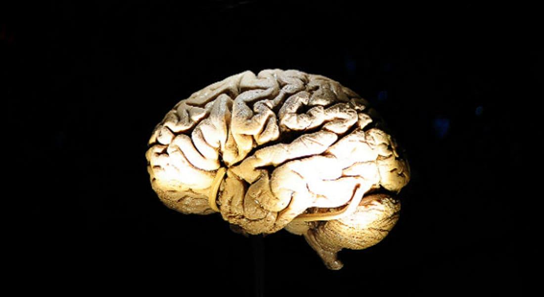 حقيقة لا خيال... في 2015 سماعة تحول الدماغ إلى بطارية تعيد شحنك بالطاقة وتعدّل مزاجك