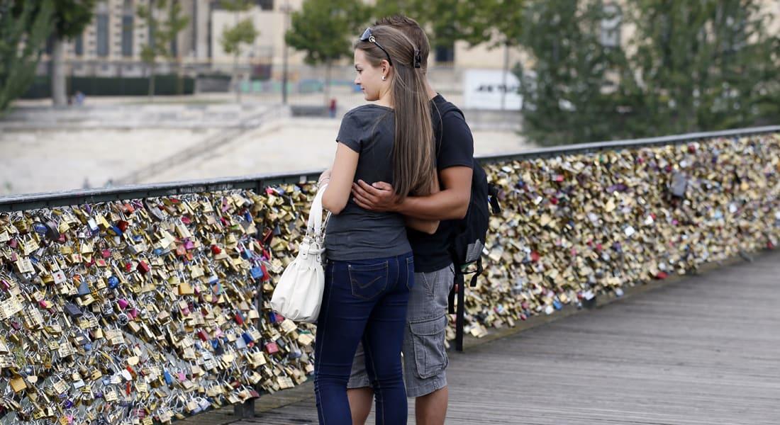 تبحث عن علاقة حب جادة بدوام جزئي.. قد تجدها هنا!
