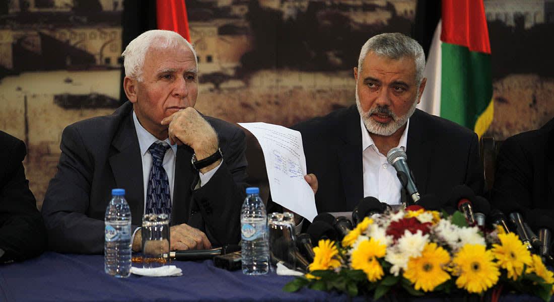 """صحف: تصعيد بين فتح وحماس وصاروخ إسرائيلي يقتل """"داعشيا منشقا"""" في غزة"""