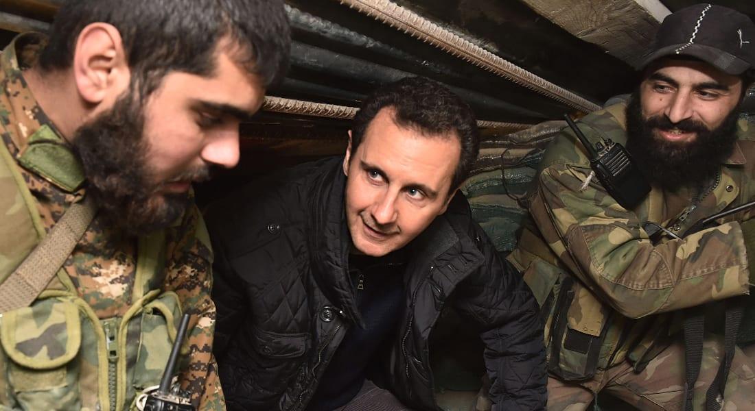 """سوريا تستقبل 2015.. الأسد يفاجئ جنوده على """"خط النار"""" وداعش يولي خليجياً على """"دير الزور"""""""