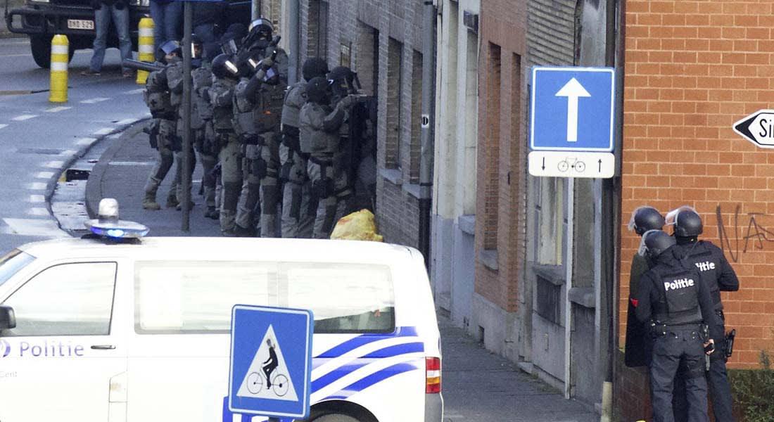 """إخلاء مقر صحيفة """"Le Soir"""" البلجيكية بعد تهديدات بوجود قنبلة والشرطة تحاصر الموقع"""