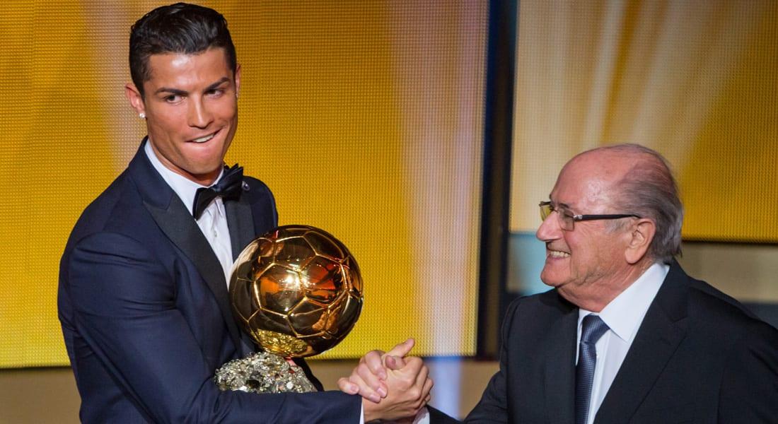 كريستيانو رونالدو يفوز بالكرة الذهبية للعام 2014 للمرة الثانية على التوالي والثالثة بتاريخه