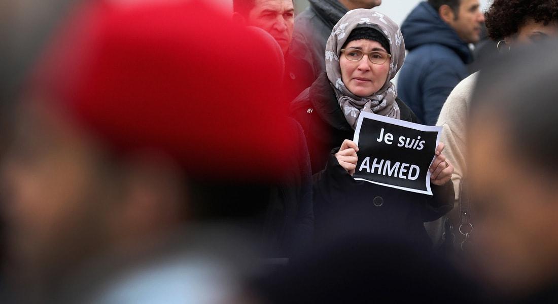 """عشرات الهجمات على المسلمين ومساجدهم بفرنسا منذ عملية """"شارلي إيبدو"""" وصلت إلى إطلاق النار وتعليق رؤوس الخنازير"""