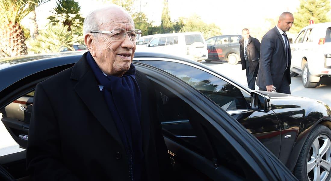 احتجاج أسر قتلى ثورة تونس يدفع قائد السبسي لقطع إحياء ذكراها الرابعة