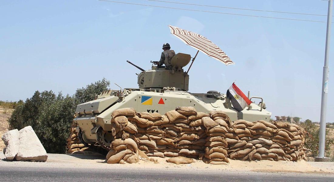 """مصر.. قتيل للجيش أثناء تفكيك عبوة ناسفة ومقتل """"تكفيري"""" وضبط 20 مشتبهاً في حملة بسيناء"""