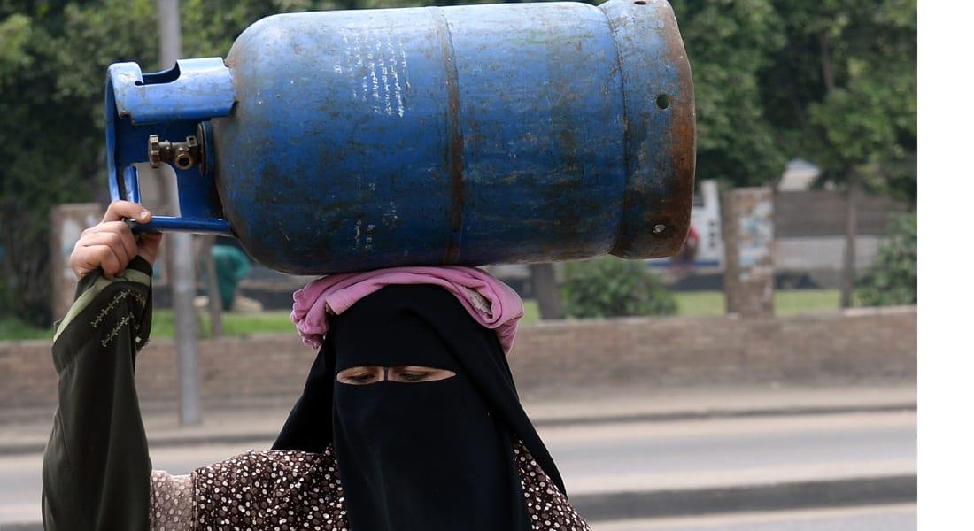 مصر: أزمة اسطوانات الغاز و انقطاع الكهرباء تزيد معاناة المواطنين