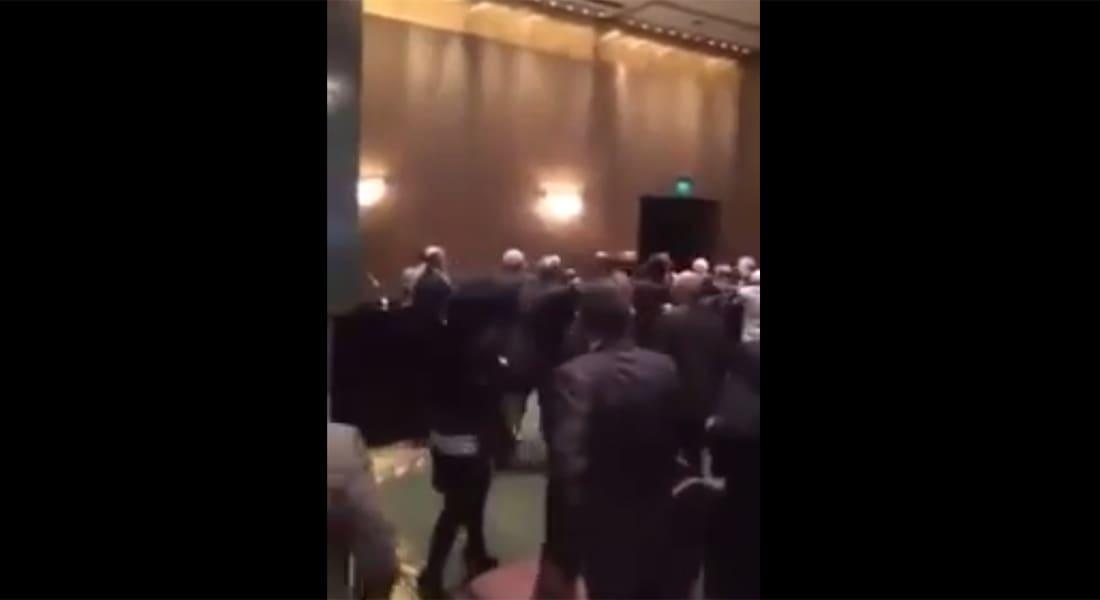 بالفيديو: الوفد السوري يضرب نظيره اللبناني دفاعا عن الأسد في مؤتمر المحامين بالقاهرة