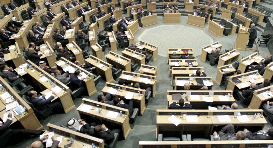 الأردن : مطار إسرائيلي قرب العقبة يسبب أزمة نيابية مع وزير الخارجية وطلب لطرح الثقة فيه وتحذير من وقوع كوارث جوية