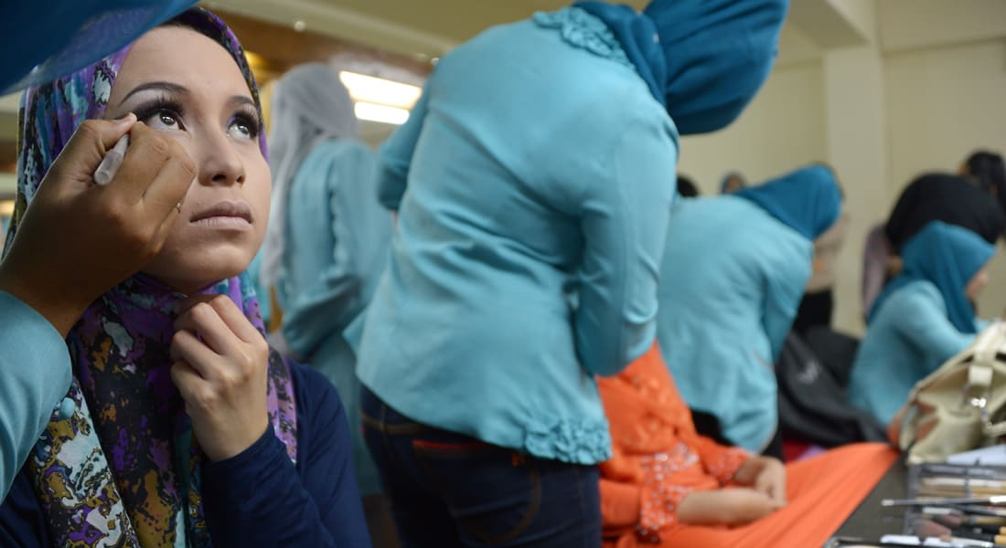 """ماليزيا تزيد صادرات """"الحلال"""" ووزير يؤكد: الطلب على المواد المتوافقة مع الشريعة ينمو"""