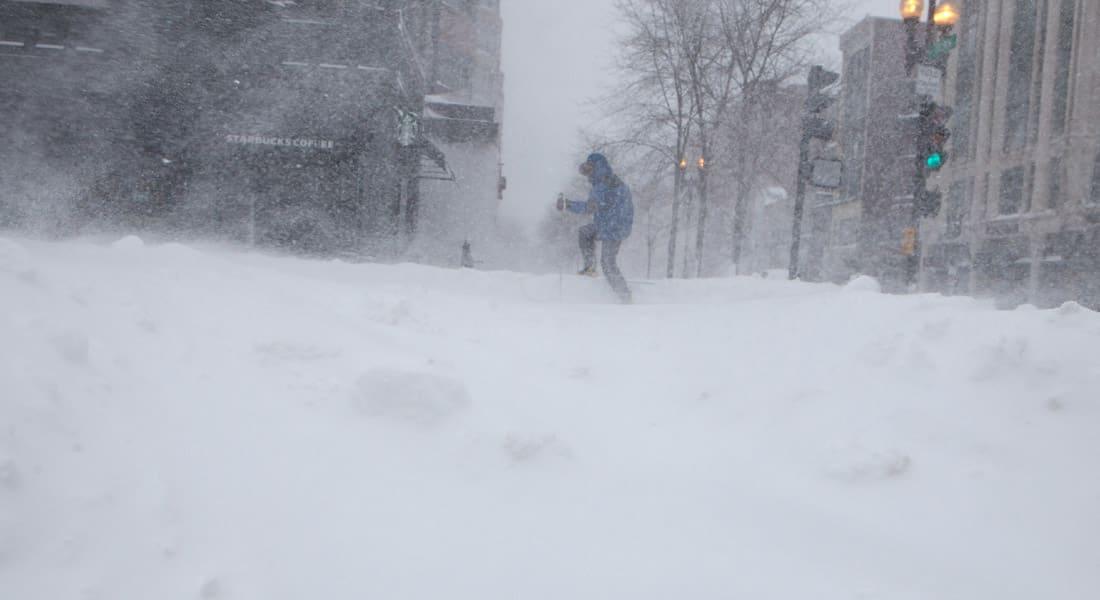 """خبير إرصاد يعتذر عن توقعات """"عاصفة ثلجية غير مسبوقة"""" بنيويورك"""