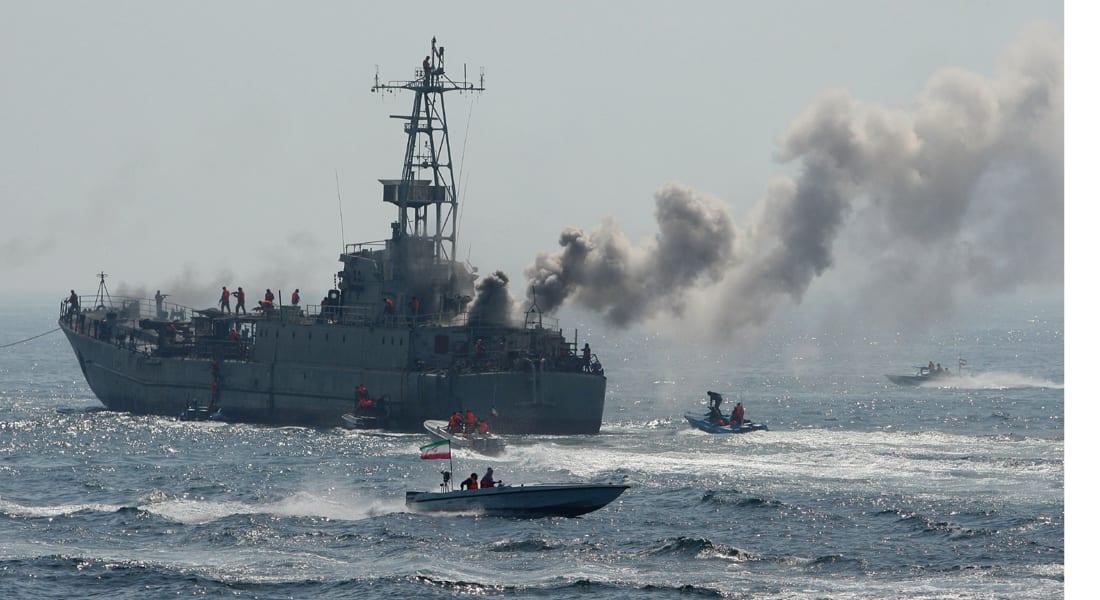 في أولى عملياتها بالمياه الدولية..  البحرية الإيرانية تنقذ ناقلتي نفط من القراصنة