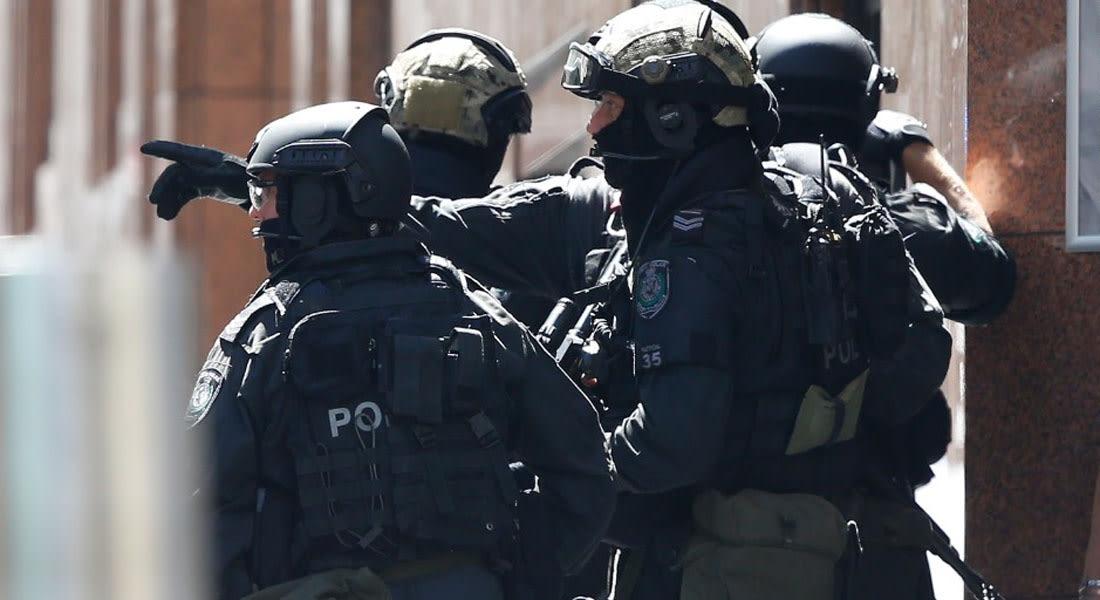 """استراليا: اعتقال رجلين خططا لـ""""هجوم إرهابي"""" في سيدني ومصادرة أدوات بينها خنجر وساطور"""