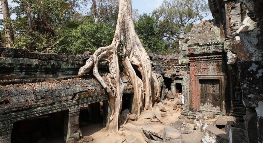 لماذا يضيق السياح ذرعا بملابسهم داخل معابد كمبوديا الآثرية؟