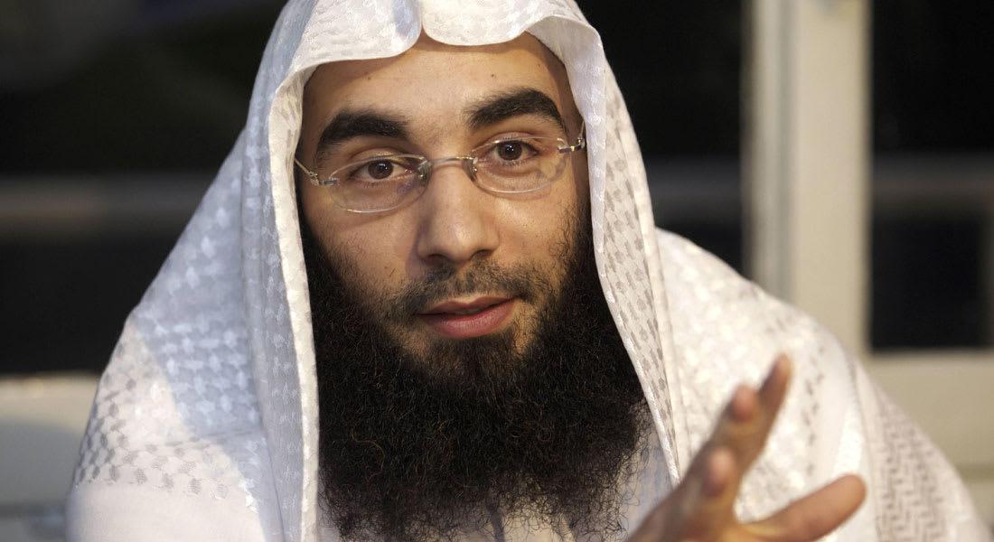 """داعية بريطاني يقر بتواصله مع """"أبو عمران"""" .. ويقول: كان يقوم بواجبه الإسلامي"""