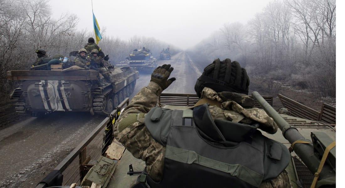 أوكرانيا تعلن تطبيق وقف إطلاق النار.. والقتال يستعر في الشرق قبل رسم خطوط الهدنة