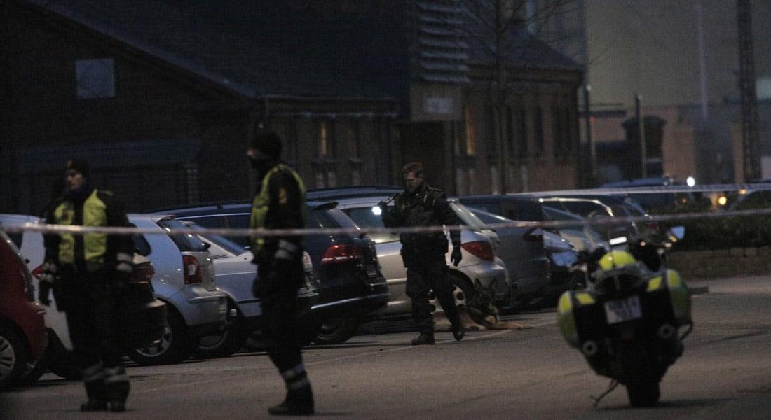 """الدنمارك .. مقتل شخص في هجوم على تجمع يضم """"لارس فيلكس"""" وأنصاره صاحب """"الرسوم المسيئة"""" للرسول محمد"""