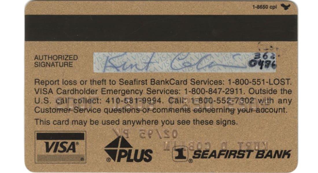 هل تصدق.. عرض بـ12 ألف دولار لشراء بطاقة ائتمانية لمغني روك أمريكي راحل