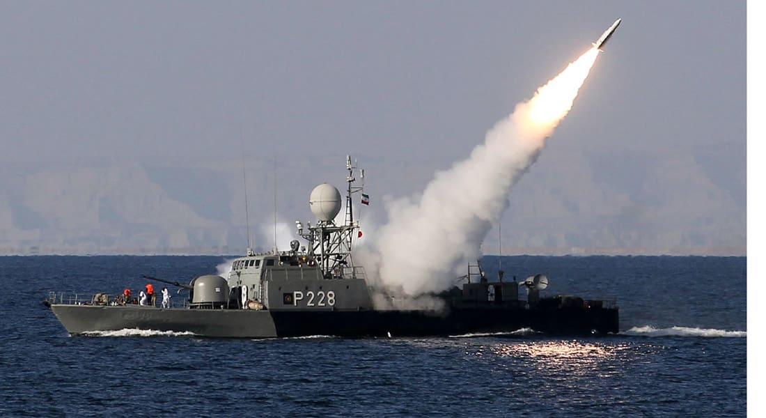 """إيران تضم مدمرة متطورة لأسطول الشمال وتنتج روبوتات حربية وسلاح قنص """"لا نظير له"""""""