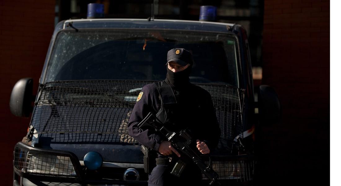 اسبانيا تعتقل 8 أشخاص للاشتباه في انتمائهم لخلايا إرهابية
