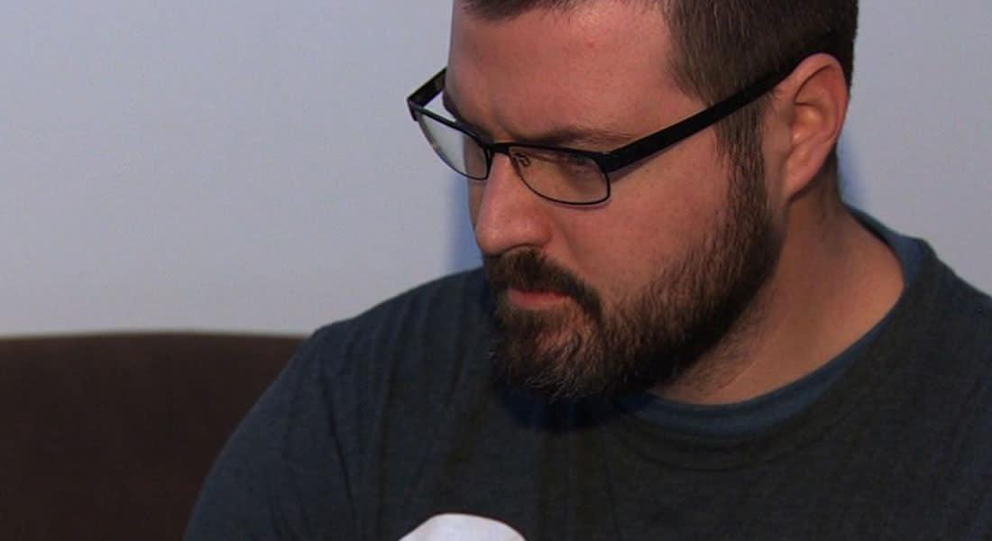 """شركة إماراتية تسقط اتهامات لموظف أمريكي بالتشهير بها عبر """"فيسبوك"""" بعد اعتذاره"""