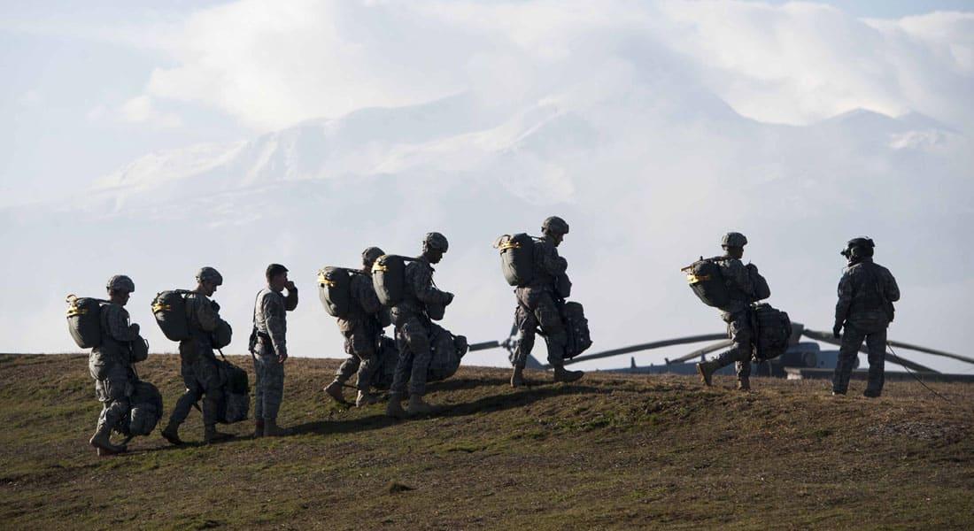 """""""قراصنة داعش"""" تنشر قائمة بأسماء 100 عسكري أمريكي لـ""""ذبحهم"""" داخل الولايات المتحدة"""