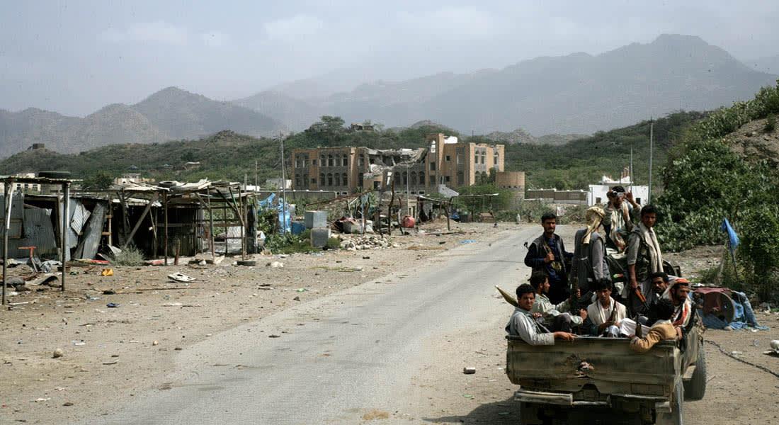 الحوثيون يبررون إطلاق سجناء صعدة باتهام الطائرات السعودية.. والرياض تتأهب وتعد خطط إجلاء سكان الحدود