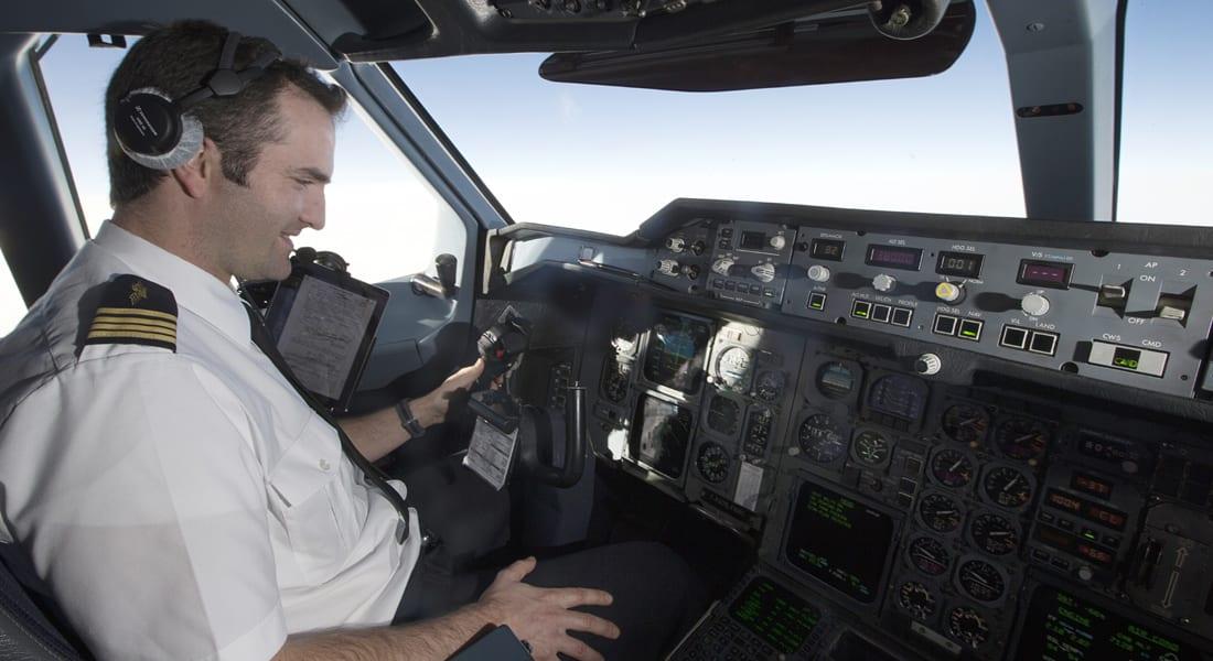 هل تسافر على متن رحلة جوية بدون طيار؟.. خبراء: أخطاء بشرية وراء نحو 80% من حوادث الطائرات