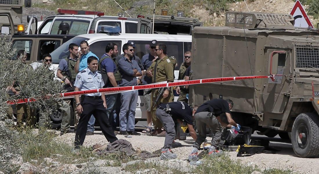 الجيش الإسرائيلي: فلسطيني يطعن جنديين قبل قتله بالرصاص شمال شرقي رام الله