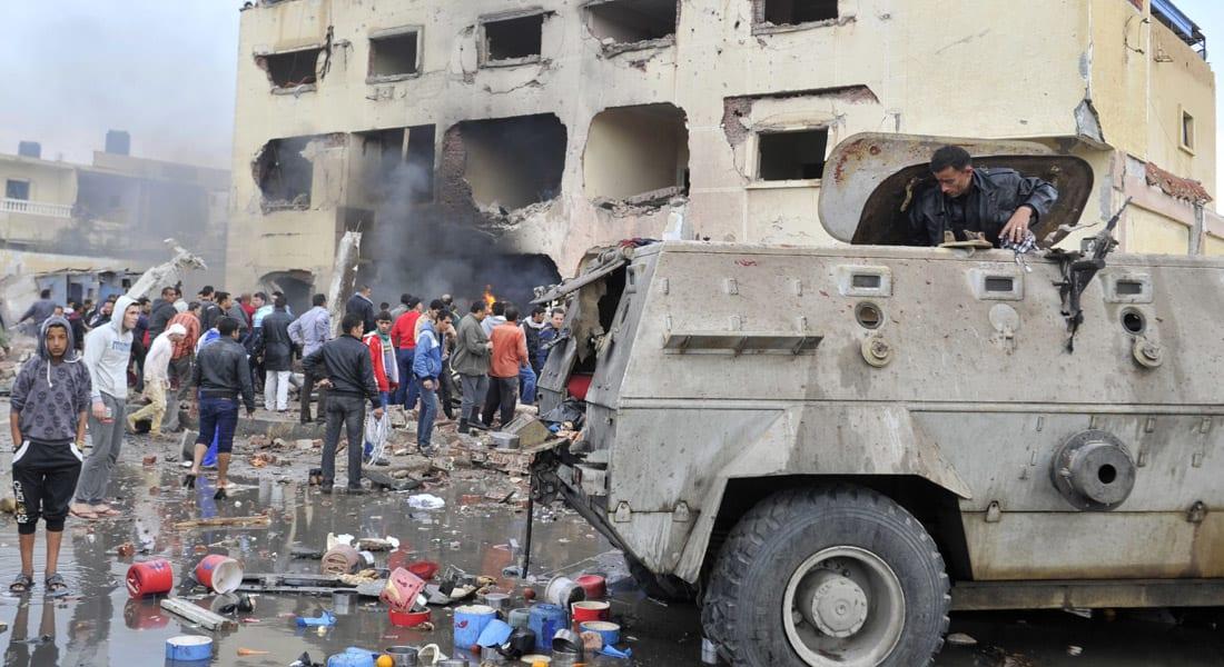 مصر.. 12 قتيلاً بموجة تفجيرات استهدفت قسم شرطة ومدرعة للجيش ونقطة أمنية بشمال سيناء