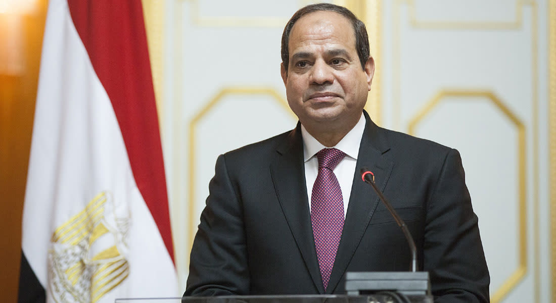 مصر توضح حقيقة صورة لجنودها وتنفي توجههم للقتال باليمن.. والسيسي يبدل قيادات البحرية والمخابرات