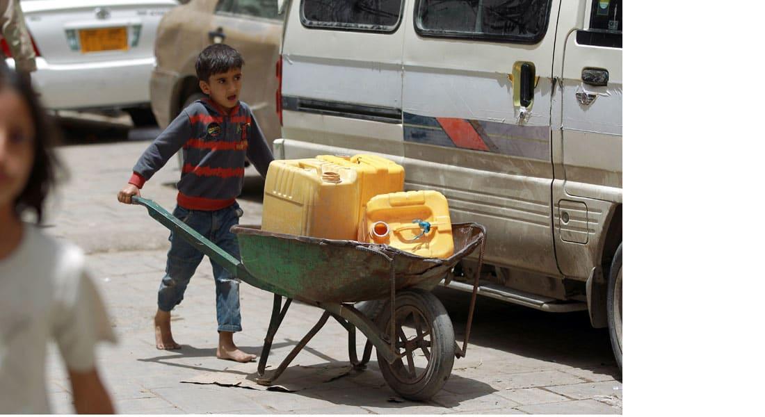"""السعودية تدفع 274 مليون دولار طلبتها الأمم المتحدة لتلبية """"الاحتياجات المنقذة للحياة"""" في اليمن"""