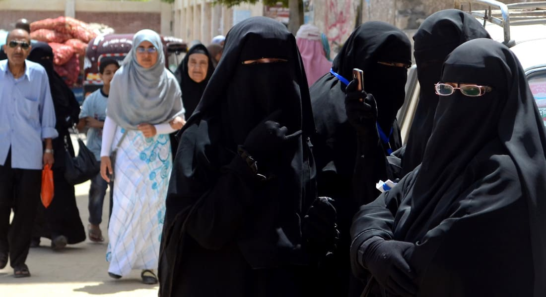 شريف الشوباشي: دعوة  خلع الحجاب موجهة ضد الإسلام السياسي وترهيب الفتيات ليس من الحريات