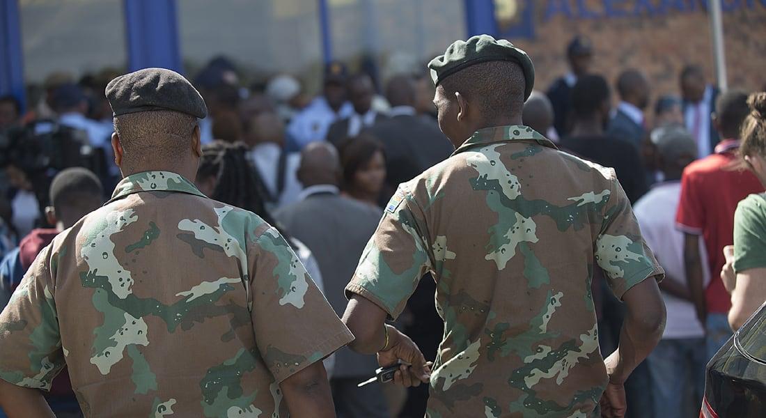 انتشار قوات من الجيش بمدن جنوب أفريقيا لوقف موجة هجمات تستهدف الأجانب