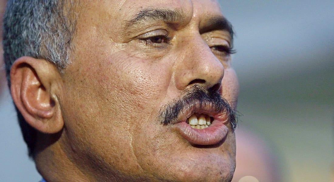 """غارة أمريكية تقتل 6 من القاعدة بالمكلا.. وعلي صالح يرحب بوقف """"عاصفة الحزم"""" داعيا لترك """"الرهانات الخاطئة"""""""