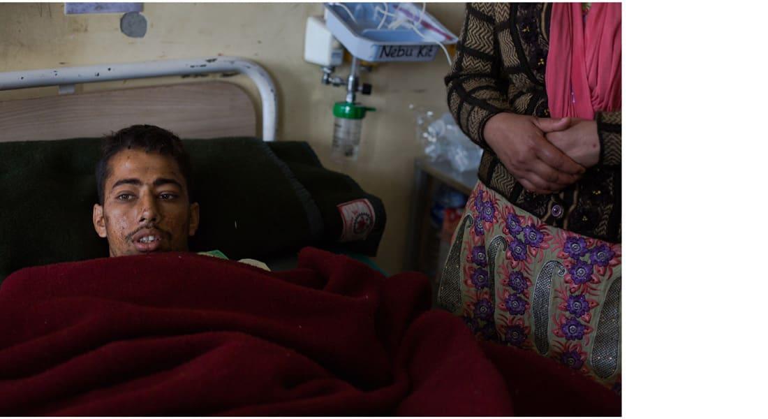 انتشال شاب نيبالي على قيد الحياة بعد 5 أيام تحت أنقاض مبنى من 9 طبقات