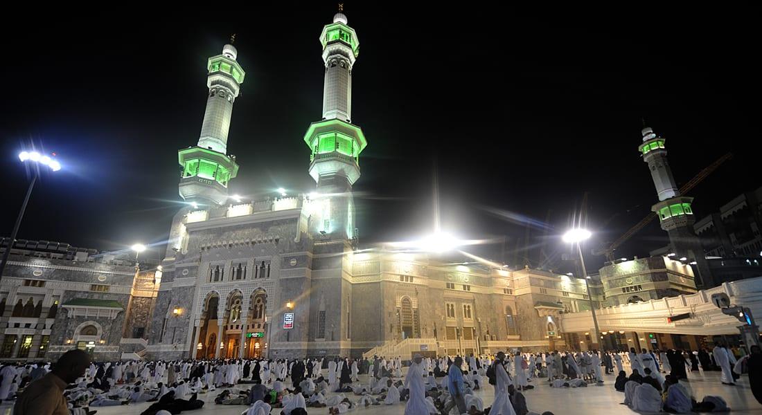 بتغريدة أثارت جدلا بين متابعيه.. داعية إسلامي: نشر المعتمر لصوره بالإنترنت يقلل الثواب