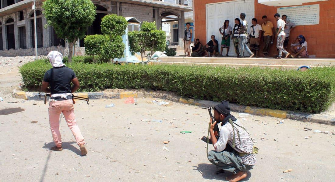 """اليمن.. انشقاقات بـ""""مؤتمر"""" صالح لدعم """"شرعية"""" هادي وتكهنات بـ""""هروب"""" محافظ ذمار للسعودية"""