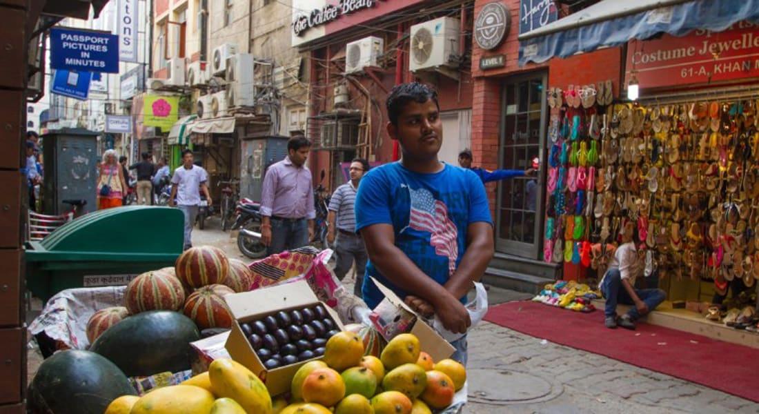 """تعرف على """"سوق خان"""" في نيودلهي.. حيث الأسعار تعادل دبي وهلسنكي"""