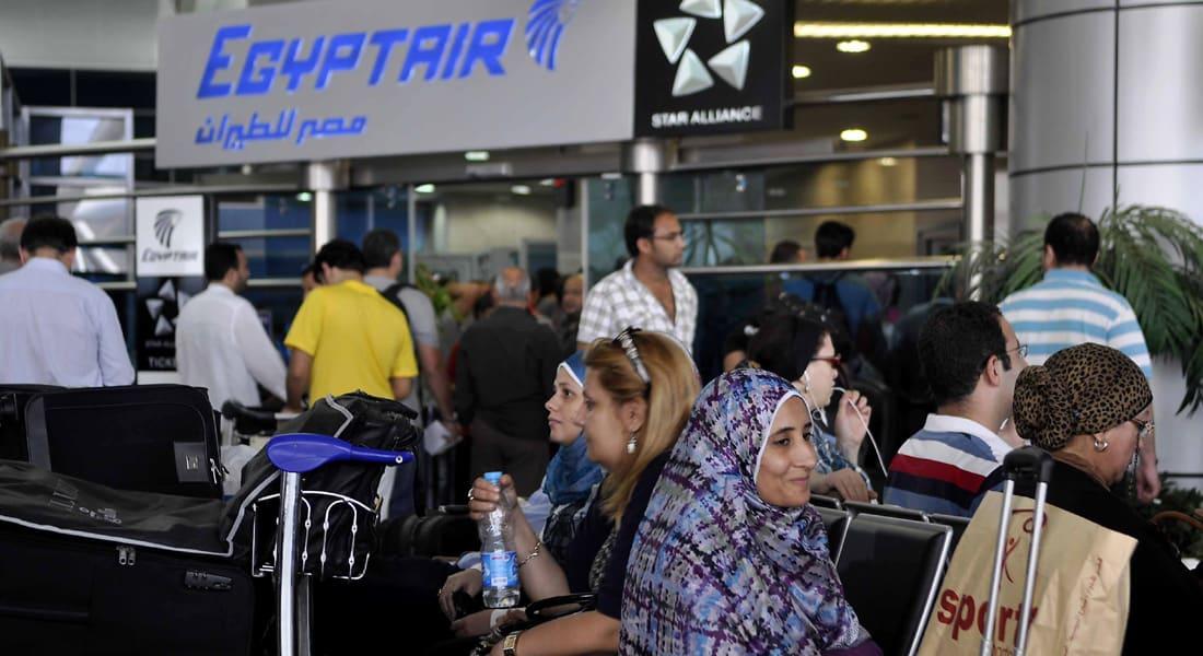 """بعد تلميحات معاتبة من السيسي.. طيارو """"مصر للطيران"""" يسحبون استقالاتهم بدون شروط"""