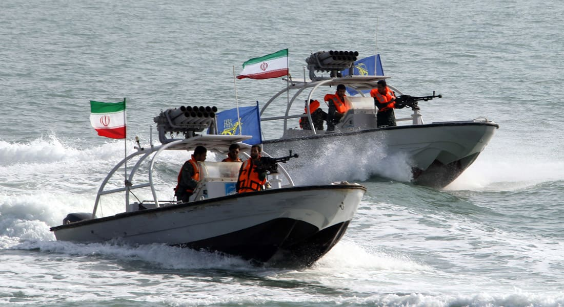 """البحرية الإيرانية تدخل """"باب المندب"""" وعمليات """"شد وجذب"""" مع سفن وطائرات غربية بخليج عدن"""